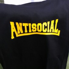Antisocial mujer